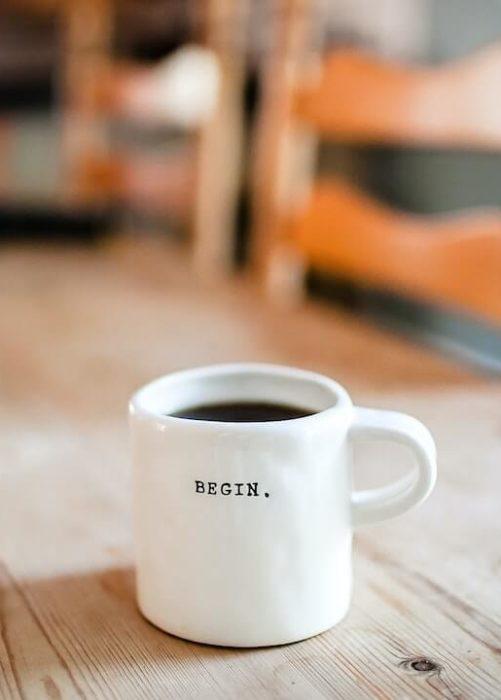 Freelancer mug with begin written on it
